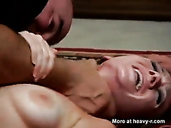 Mama gedwongen anale - hot mom video