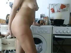 cougar mom porn - sexy curvy woman