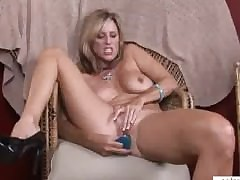 Mom orgasm porn - hot milf video sesso