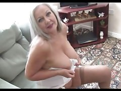 Busty mom video - mature film sesso