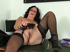mom fingering pussy - sharing wife porn