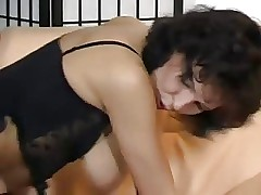 Busty mom videos - reife sexfilme